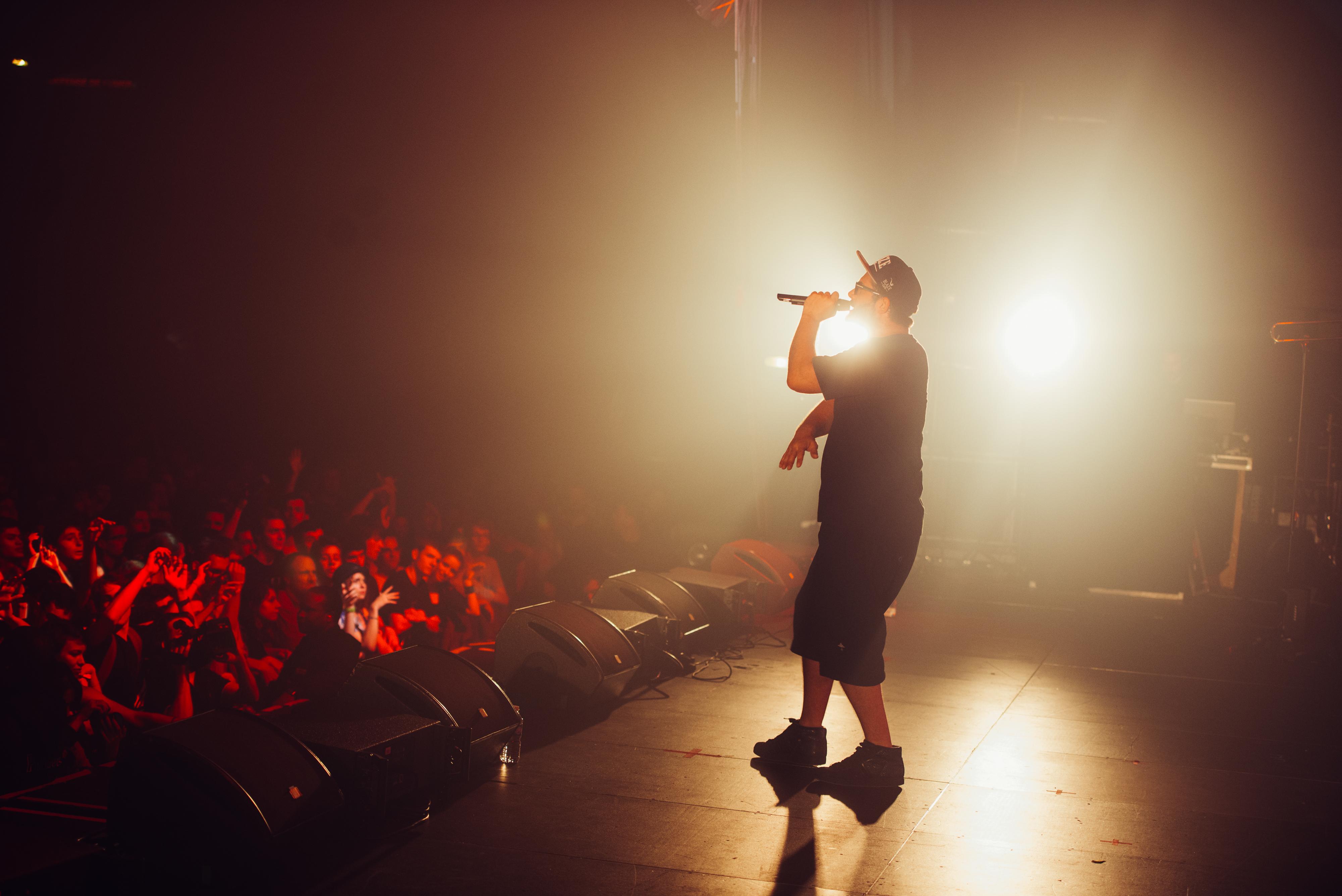 Taiwan MC – Heavy This Year (verso 2012): www.iwelcom.tv/reggae-dancehall-dub/taiwan-mc/taiwan-mc-diskodub-2014